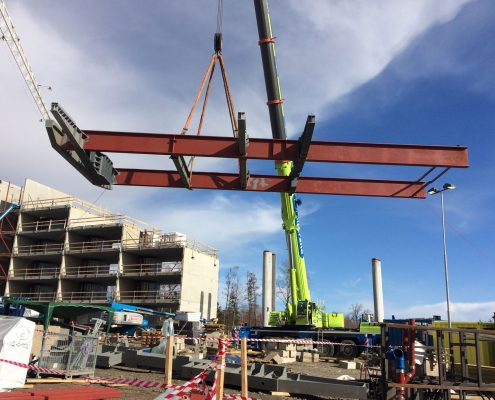 Beam delivery from assembly to building, Tonsberg Norway